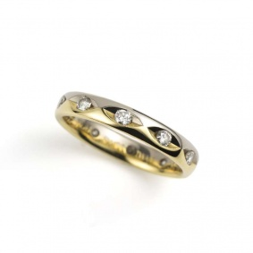 18k Two Colour Gold Round Brilliant Cut Diamond Wedding Band